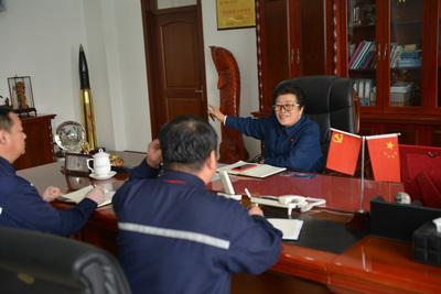 董事长与员工谈心