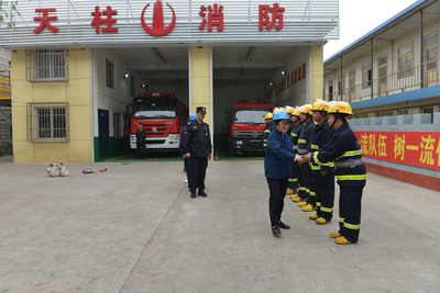 慰问消防队员
