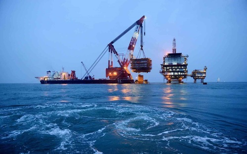 Corrosion resistant offshore oil platform structural steel